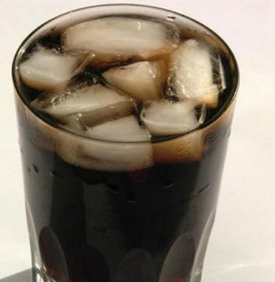1 bardak kola neler yapıyor?