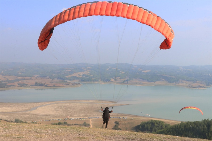 10. Havacılık ve Yamaç Paraşütü Festivali