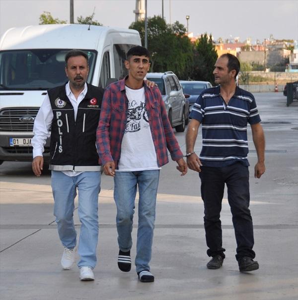 Adana'da uyuşturucu sattığı iddiasıyla 2 şüpheli tutuklandı