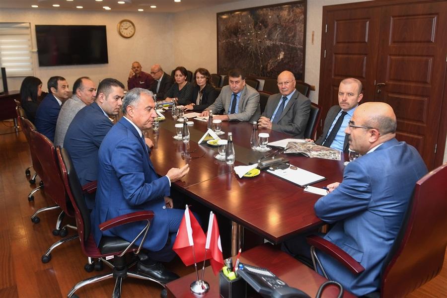 Adana Doğu Sanayi Sitesi Toplantısı Vali Demirtaş'ın Başkanlığında Gerçekleşti