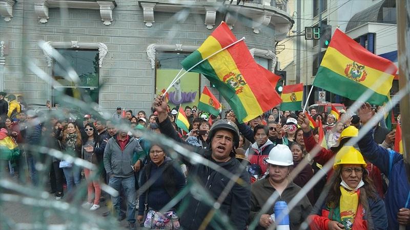 Bolivya Genelkurmay Başkanı, Devlet Başkanı Morales'in istifasını istedi