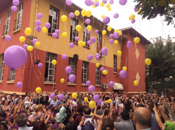 Adana'daÖğretmenler balon uçuracak