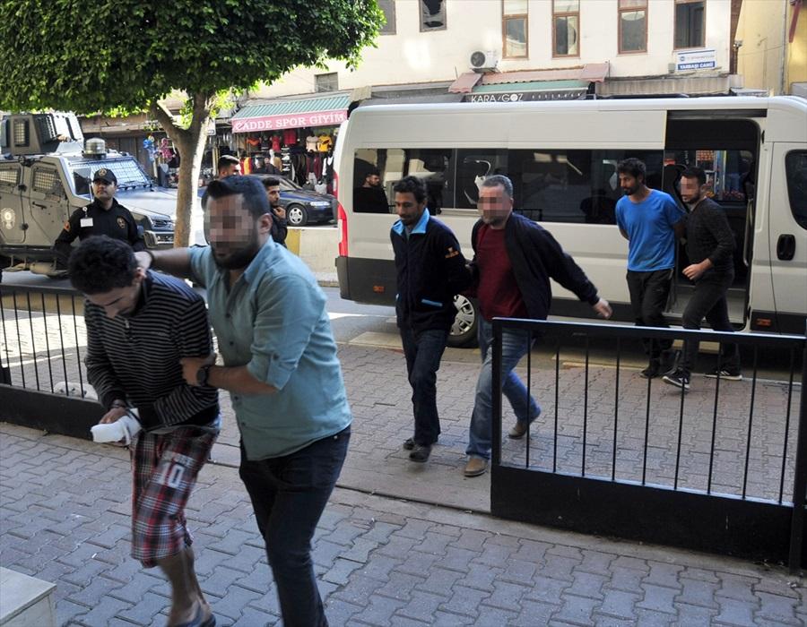Adana'da eylem hazırlığında olduğu iddia edilen 4 DEAŞ'lı kardeş tutuklandı