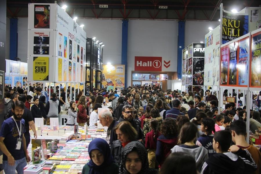 5. CNR Mersin Kitap Fuarı'nı 150 binin üzerinde kişi ziyaret etti