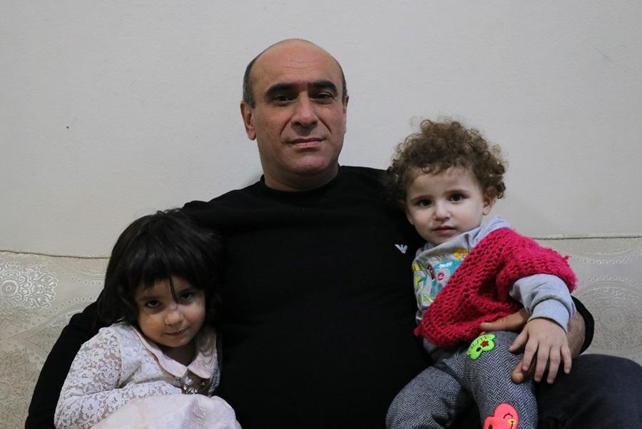 Rahibe kılığında 2 çocuğuyla Esad'ın askerlerinden kaçtı