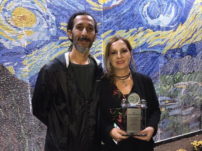 """Van Gogh'un """"Yıldızlı Gece"""" eserinin 450 bin mozaik parçayla tablosu yapıldı"""