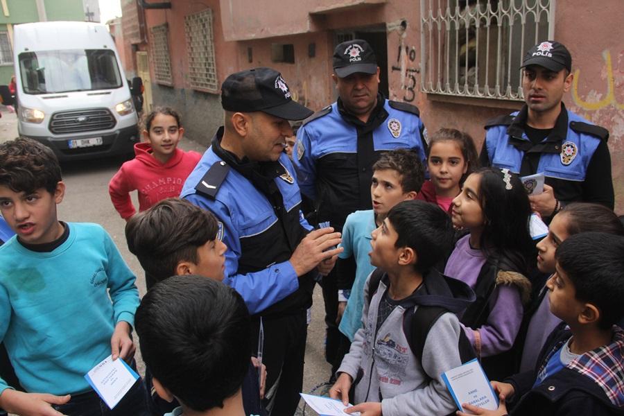 """Polisten """"Çocuklar Ölmesin"""" projesi"""
