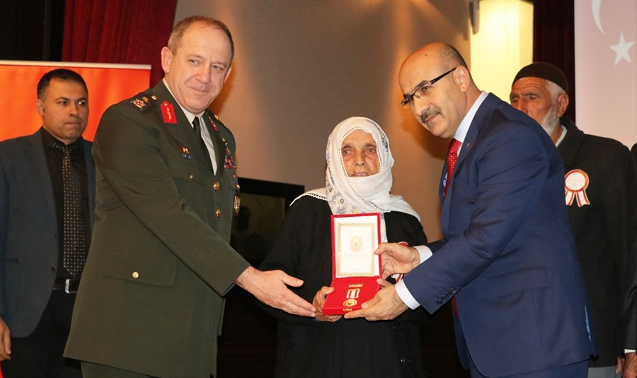 Adana'da 158 Kıbrıs gazisine madalya ve beratları takdim edildi