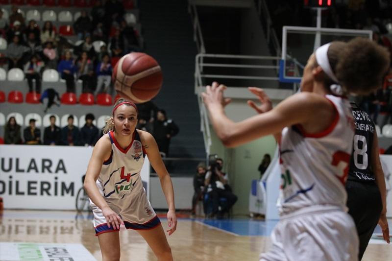 Büyükşehir Belediyesi Adana Basketbol: 72 - Beşiktaş TRC İnşaat: 76