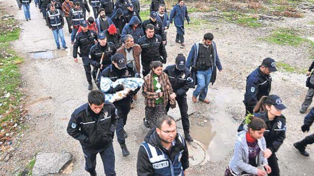 """Adana'da """"Cono Aşireti"""" üyelerinin yargılandığı davaya devam edildi"""