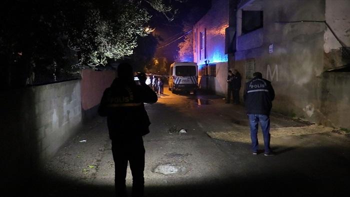 Adana'da kocasının silahlı saldırısına uğrayan kadın yaralandı