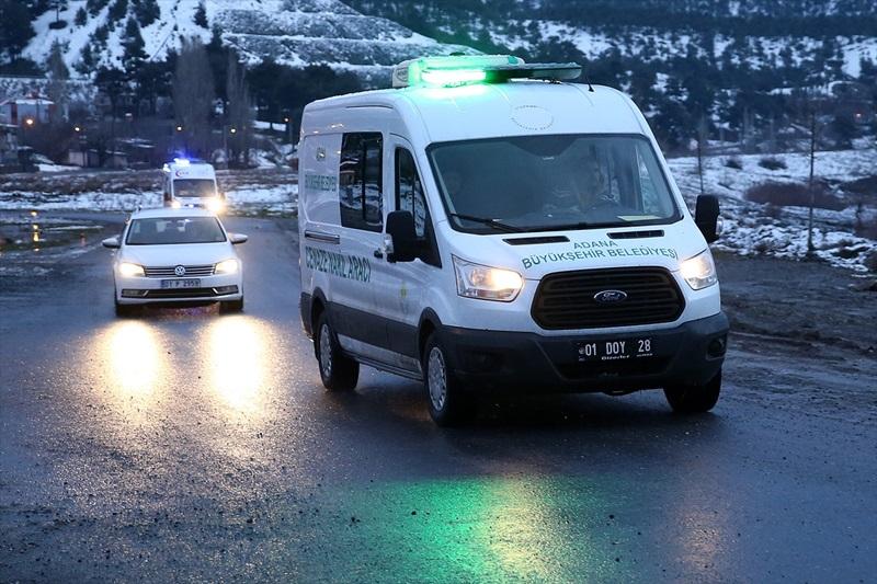 Adana'da çığ düşmesi sonucu kurtarılan 2 kişi hastaneye kaldırıldı