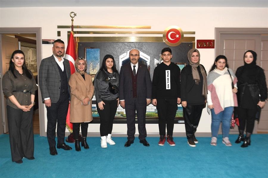 Başkan Meltem Kaya Ve Beraberindeki Heyet Vali Demirtaş'ı Ziyaret Etti