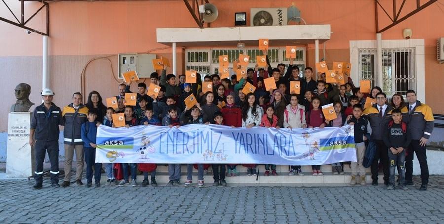 """Aksa """"Enerjimiz Yarınlara"""" ekibi Adana'da çocuklarla buluştu"""