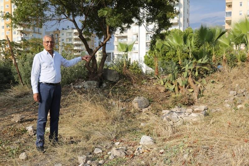 """""""Aratos'un"""" mezarının olduğu değerlendirilen arsa belediyeye bağışlandı"""
