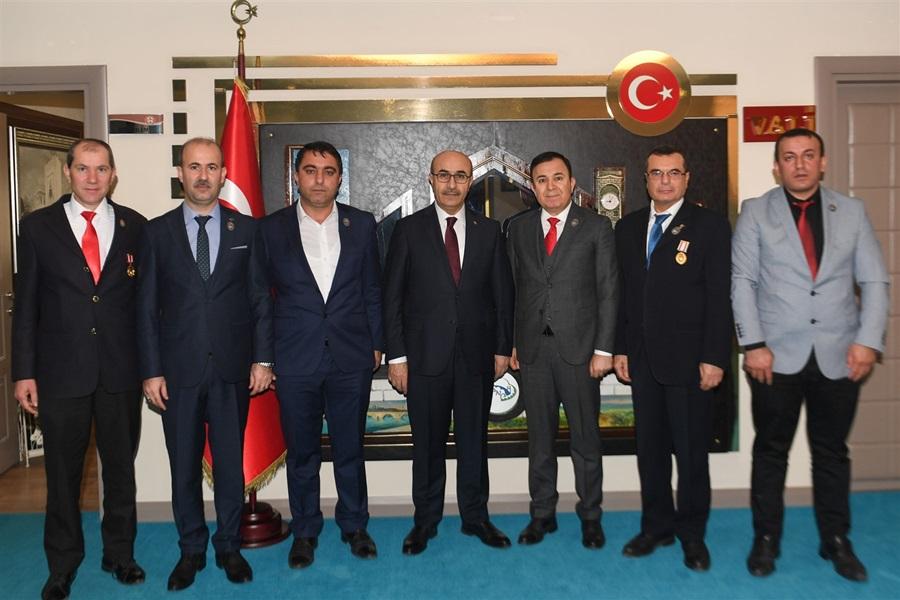 Türkiye Gaziler Ve Şehit Aileleri Vakfından Vali Demirtaş'a Ziyaret