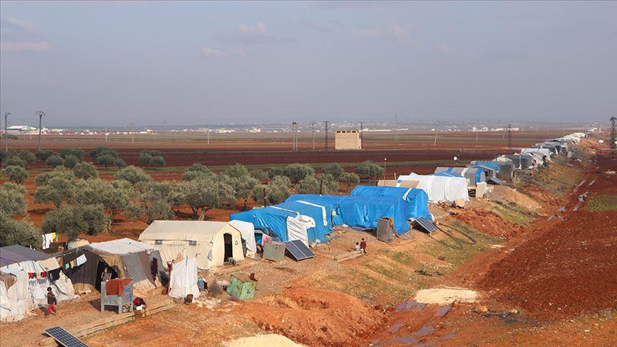 İdlib'deki kader yolcuları tren yoluna 'yurt' kurdu