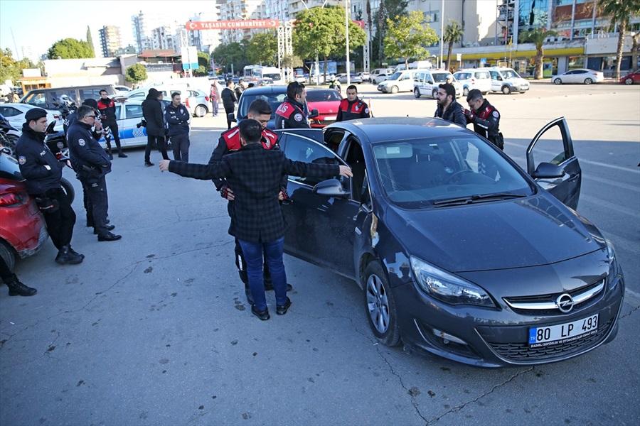 """Adana'da helikopter destekli """"güven ve huzur uygulaması"""" yapıldı"""