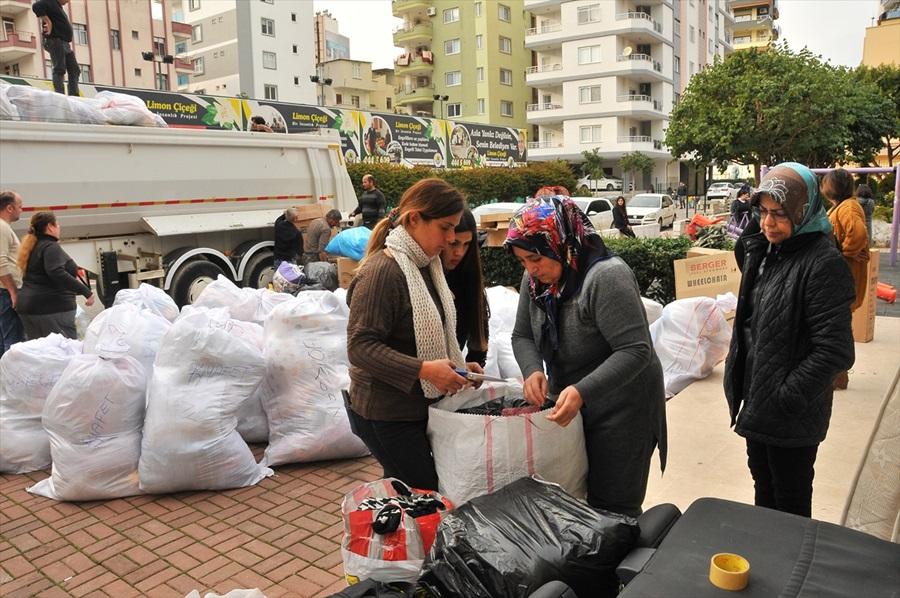Hatay, Adana ve Mersin'den deprem bölgesine yardım malzemesi desteği