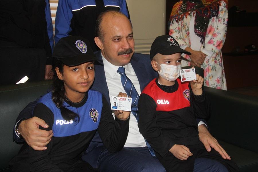 Emniyet müdürü iki çocuğun hayalini gerçekleştirdi