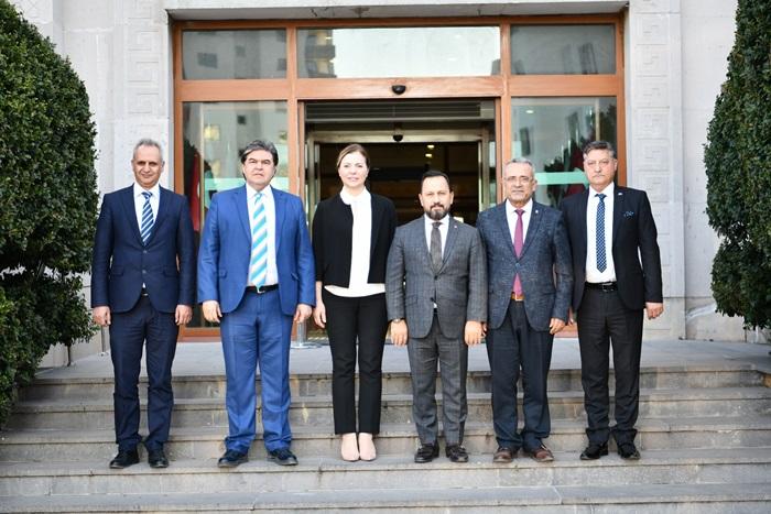 Başkan Uludağ 21 kilometrelik parkuruyla Türkiye'nin en uzun güzergâhına sahip..
