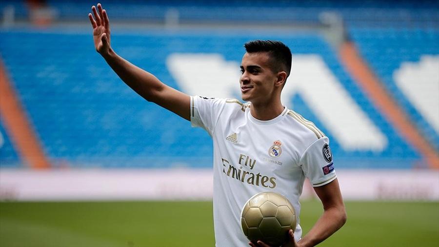 Real Madrid'in 18 yaşındaki yeni transferi: Çocukluk rüyamı gerçekleştirdim
