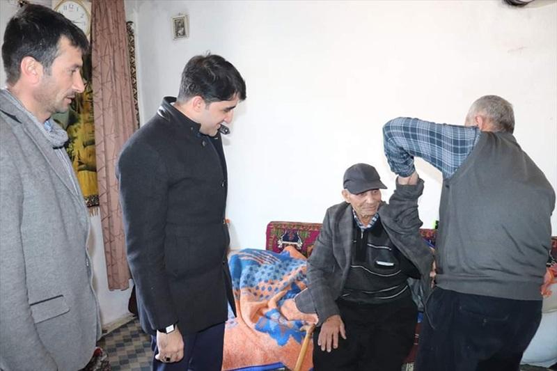 Tufanbeyli'de yardıma muhtaç 77 yaşındaki kişi Adana'da huzurevine yerleştirildi