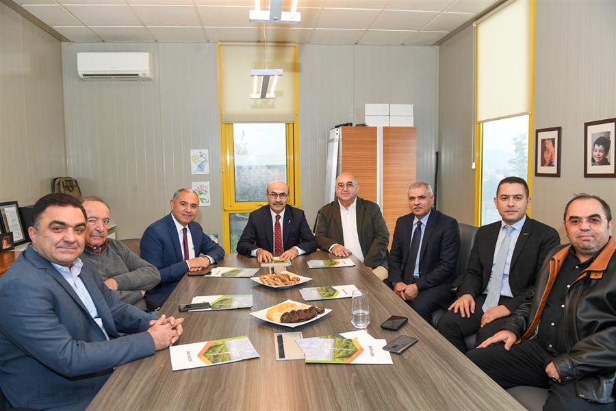 Vali Demirtaş'tan AOSB'de Faaliyette Bulunan Firmalara Ziyaret