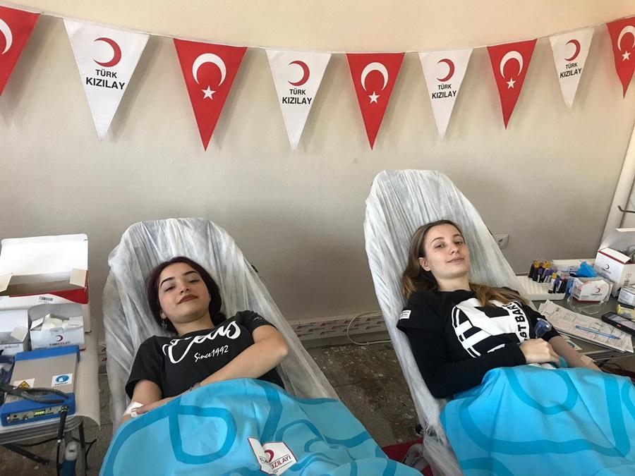 18 yaşını doldurup kan bağışçısı oldular