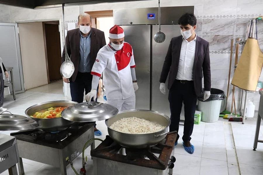 """Tufanbeyli'de Vefa Sosyal Destek Grubu ekiplerinin """"iç ısıtan"""" çalışması"""