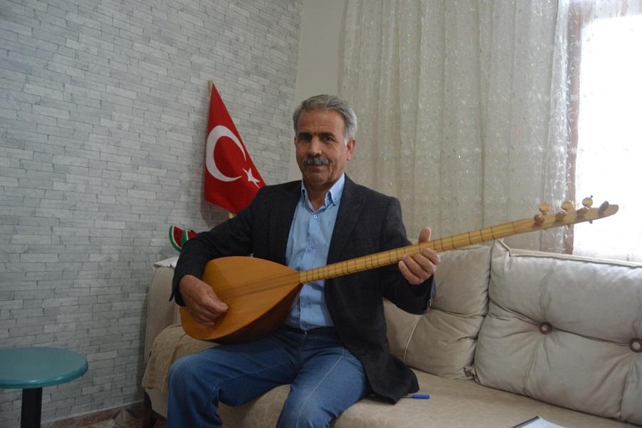 """Adanalı aşıktan sazlı sözlü """"Evde Kal Türkiye'm"""" mesajı"""
