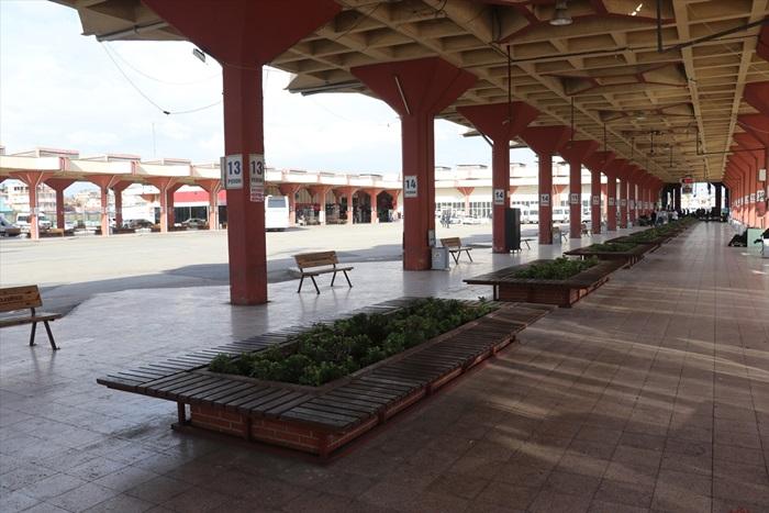 Adana otogarında koronavirüs sakinliği