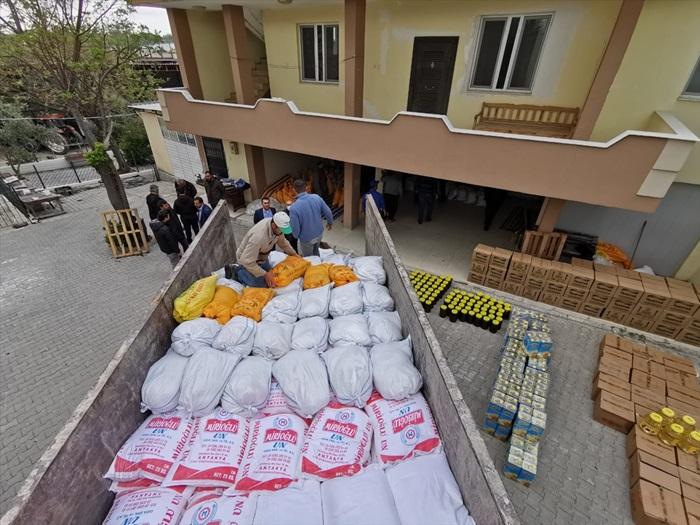 Adana ve Hatay'da Kovid-19 mağdurlarına yardım