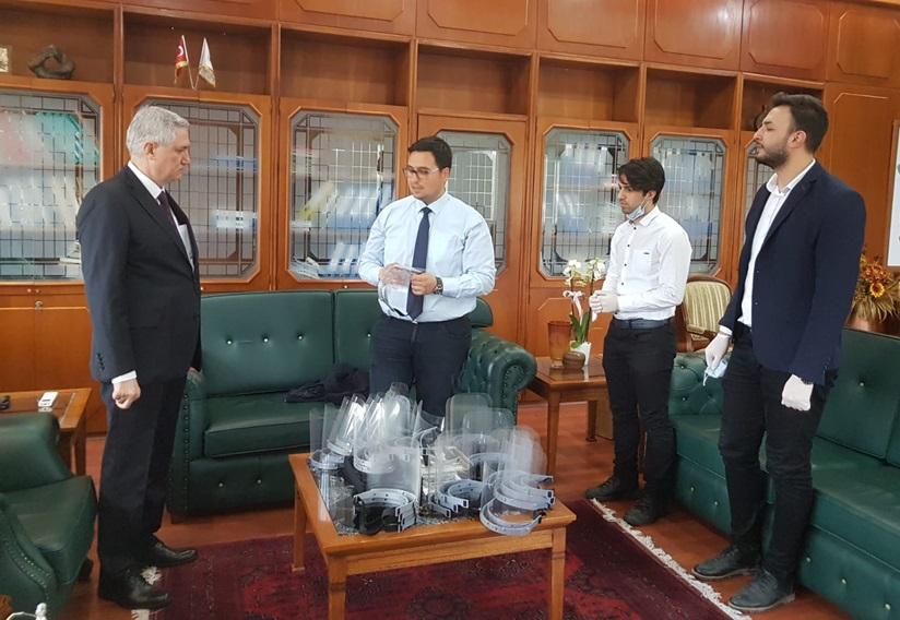 Balcalı Hastanesi Sağlık Personeli İçin Siperlikli Yüz Maskesi Üretimi Başladı..