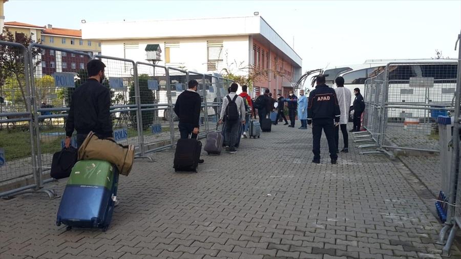 Adana'da gözetim süresi dolan 157 kişi memleketlerine gönderildi
