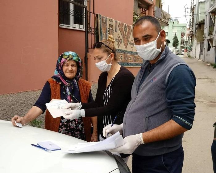 Adana'da yardım ödemeleri sürüyor..