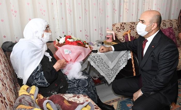 Annelerimize Cumhurbaşkanımız Erdoğan'ın selamlarını ve hürmetlerini getirdik..