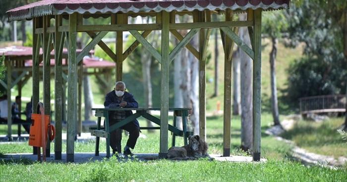 Çukurova'da 65 yaş ve üzeri vatandaşlar uzun zaman sonra ilk defa sokağa çıktı