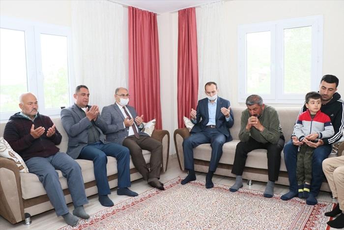 Pozantı Kaymakamı Sarıdoğan'dan şehit ailelerine bayram ziyareti