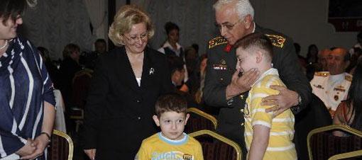 Genelkurmay Başkanı şehit aileleriyle birlikte oruç açtı...