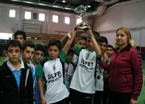 Okullararası Küçükler Badminton Grup Müsabakala?rı