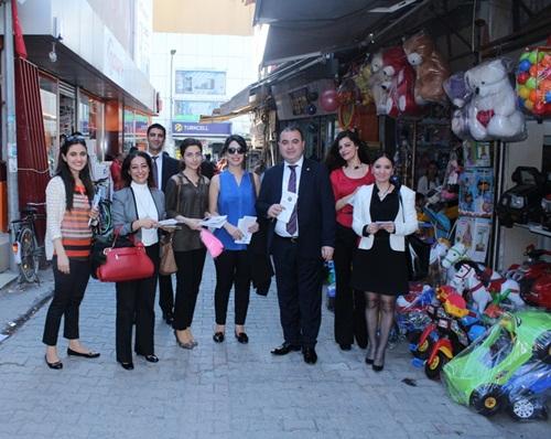 Baro çocuk hakları ihlaline ilişkin kent merkezinde broşür dağıttı