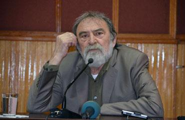 Murat Belge: 'Anayasa Mahkemesi iyi bir performans gösteriyor'