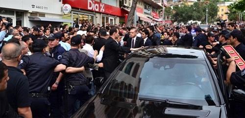 'Erdoğan'ı protesto için para teklif etti'