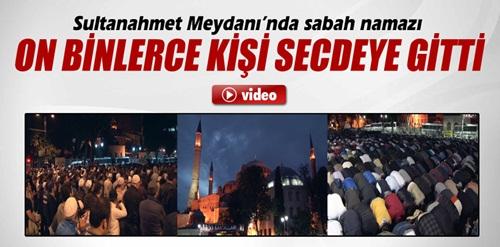 Ayasofya Camii?nin ibadete açılması için namaz kıldılar