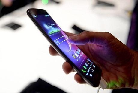 Akıllı telefonlar 'fıtık' ediyor