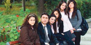 Türk edebiyatını genç öğretmen yazarlar omuzluyor...