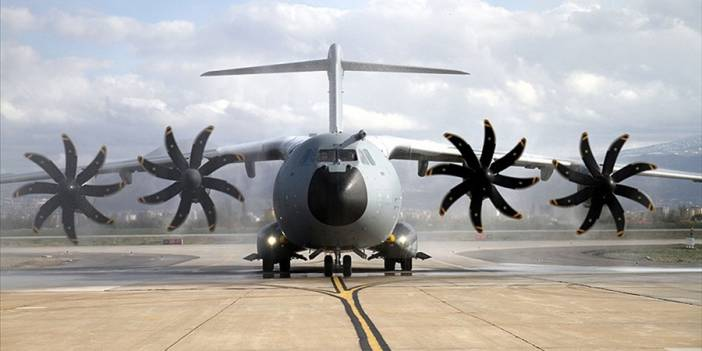 Vuhan'dan Türk vatandaşlarını tahliye eden uçak Ankara'ya indi
