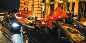 Avrupa ülkelerinde 'evet' kutlaması