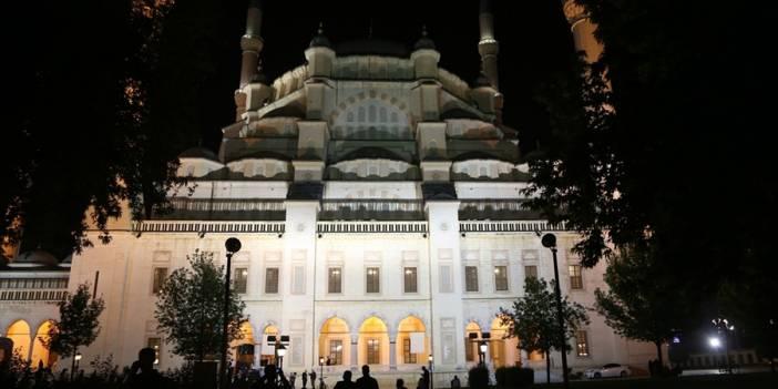100 bin kişi Kadir Gecesi'nde Esenler'de buluşuyor